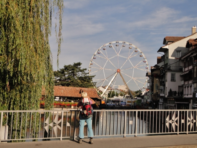 Ivana taking a pic of the Ferris wheel in Thun